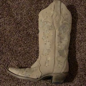 Like new Corral cowboy boots